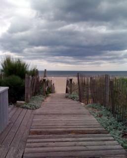 Overcast skies at Fair Harbor Beach