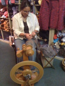 Spinning demonstration at Purl By the Sea